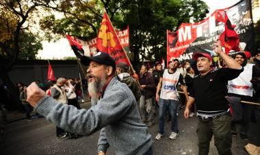 """Mario Miceli, dirigente del campo popular,  responde a los cuestionamientos de los """"desclasados"""" de Cañuelas"""