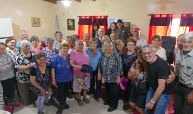 Nueva entrega de alimentos en el Centro de Jubilados de Los Aromos