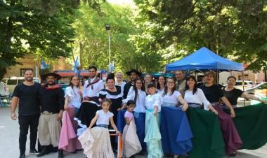 Clase abierta de folklore en Uribelarrea