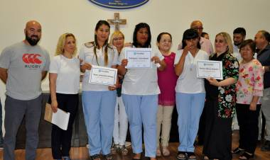 Nueva graduación de la Escuela de Enfermería de Cañuelas