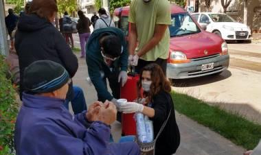 Campaña de voluntariado durante el operativo de cobro de Jubilados