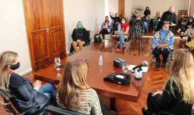 La ministra bonaerense de las Mujeres, Estela Díaz, visitó Cañuelas