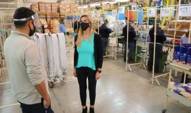 La empresa Visuar–Samsung retomó la producción con la visita de la intendenta