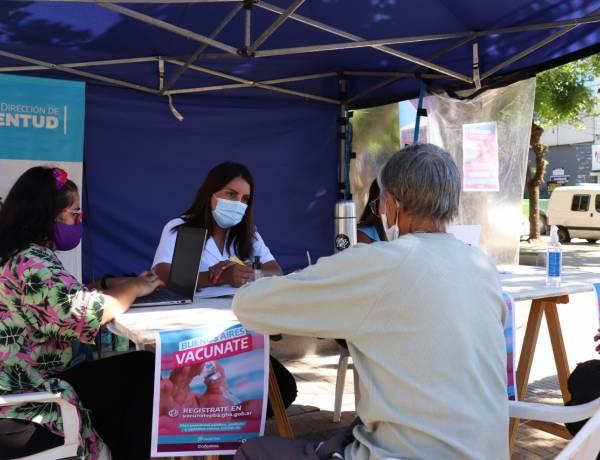 Ya pueden inscribirse de forma presencial al programa Buenos Aires Vacunate