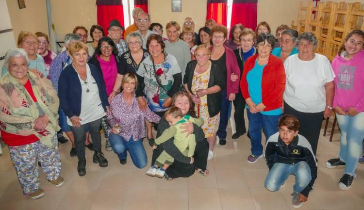 Fassi renovó el compromiso municipal con instituciones de Los Aromos