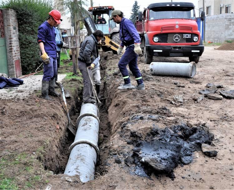 Comienza el plan de obra de saneamiento y asfalto en Máximo Paz