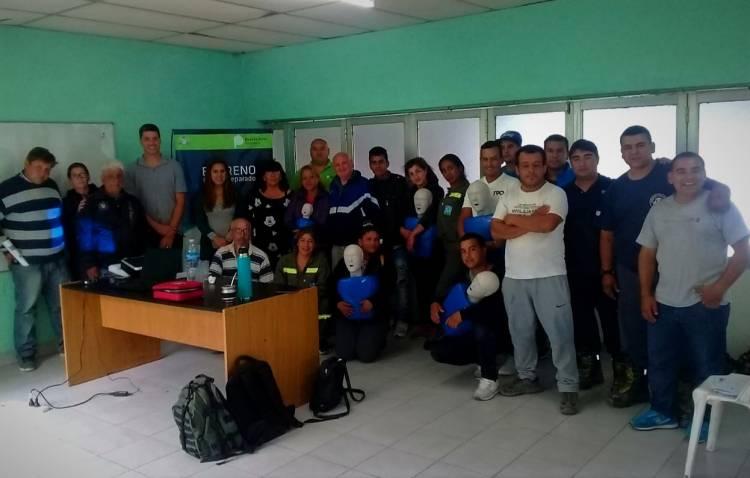 Taller de primeros auxilios y RCP en la delegación de bomberos de Alejandro Petión