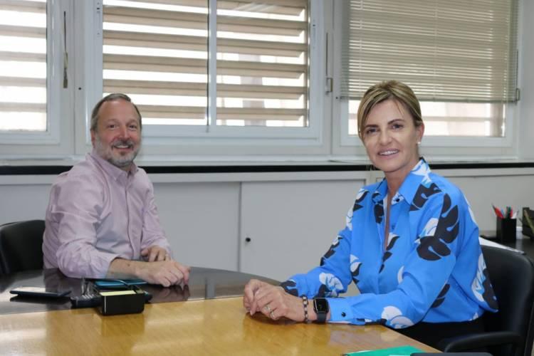 Marisa Fassi en un encuentro con el flamante titular de ACUMAR