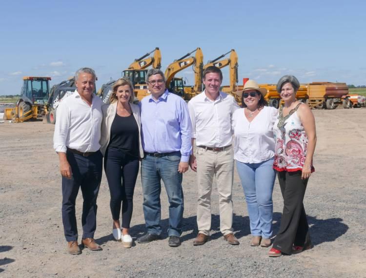 Fassi y el ministro Rodríguez monitorearon el progreso del Mercado Agroganadero de Cañuelas