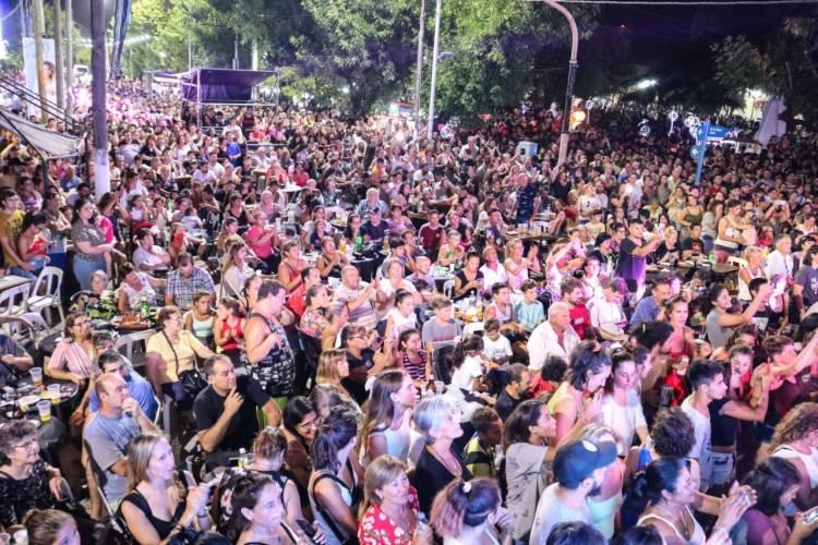 Multitudinario cierre del 198° aniversario de Cañuelas