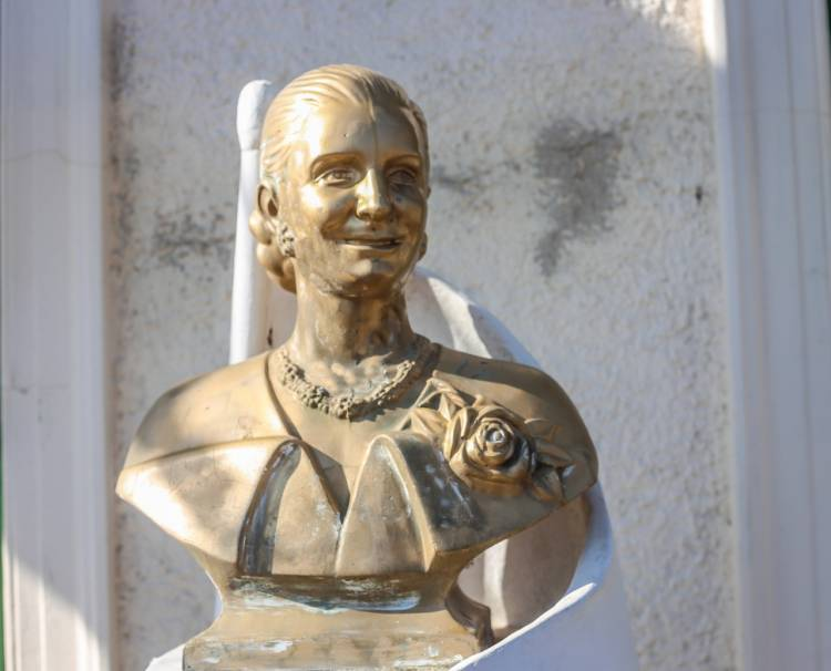Homenaje a Eva Duarte en el 68° aniversario de su fallecimiento