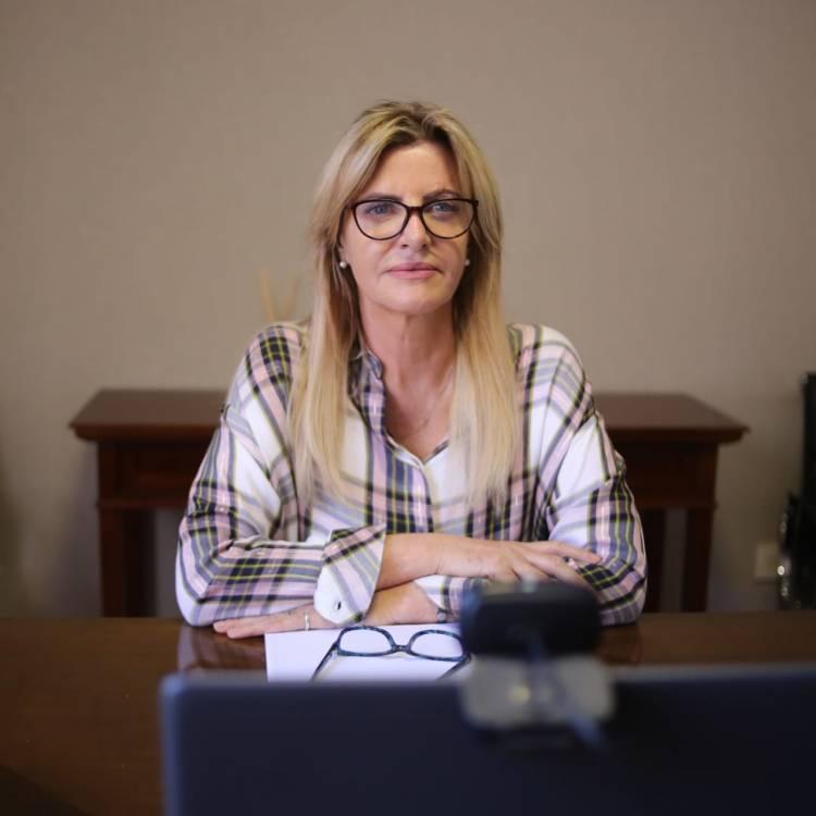 Género: La intendenta participó de una videoconferencia encabezada por Alberto Fernández