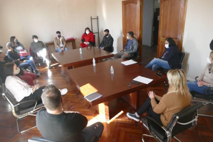 Encuentro con referentes del arte y la cultura cañuelense