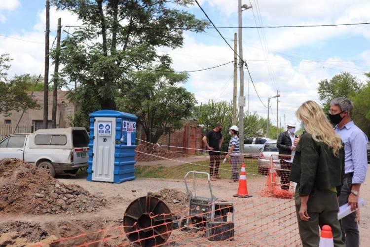 Se reactivaron las obras de cloacas para 14 mil vecinos y vecinas