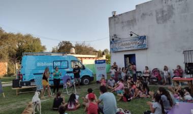 Bibliomóvil: continúan las actividades culturales en barrios y localidades