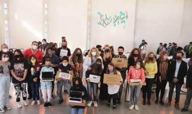 Se entregaron Netbooks para 73 estudiantes de la Escuela Media 2