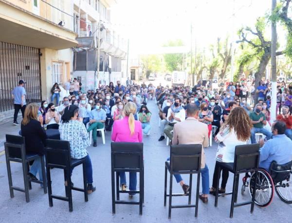Obras para el Bicentenario: la intendenta Marisa Fassi suscribió acuerdos de obras viales, educativas y financiamiento para la recuperación del Cine Teatro
